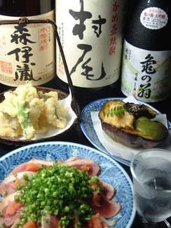 毎日変わる限定地酒、本格焼酎と毎日仕入れる築地の魚介